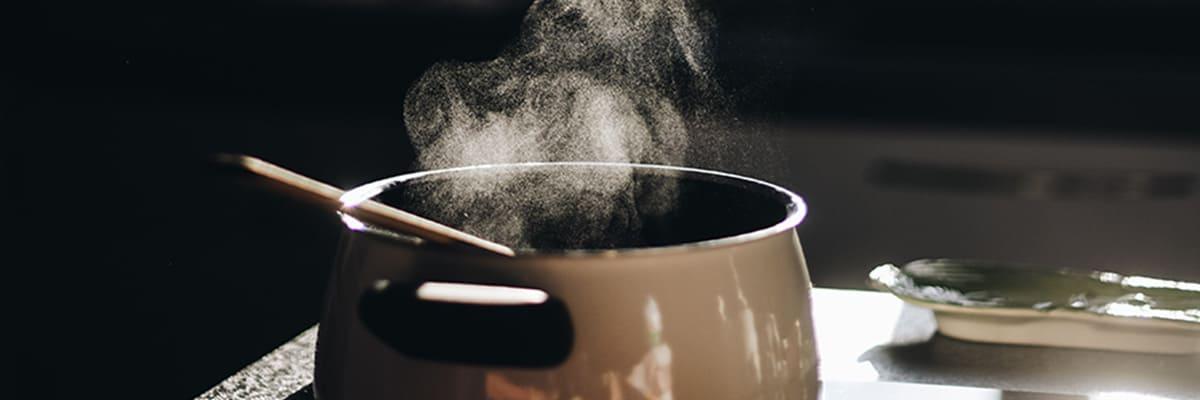 Pot releasing steam